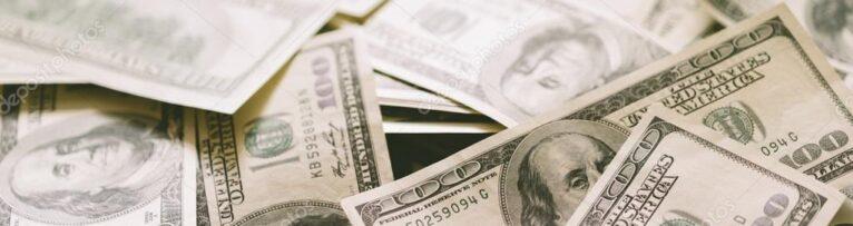 zComp_depositphotos_102201488-stock-photo-cash-selective-focus