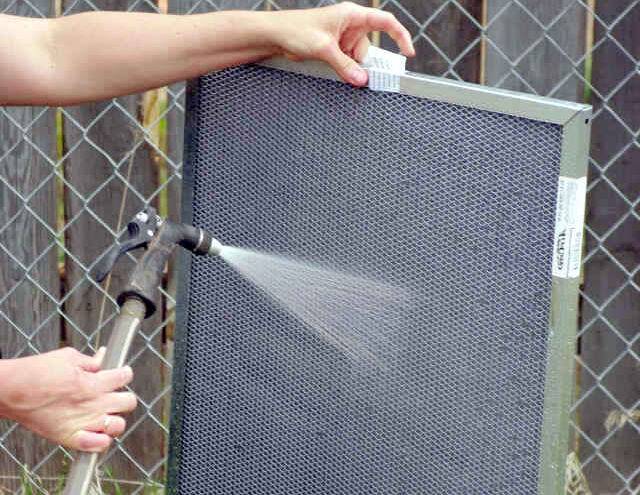 washing of an electrostatic air filter